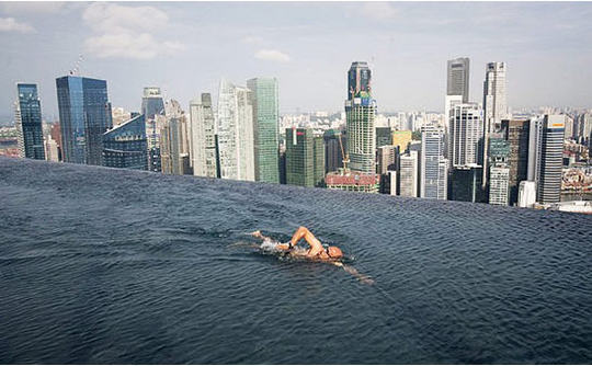 marina_bay_sands_pool.jpg